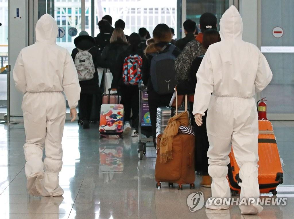 韩国有2.7万人居家隔离 七成为入境人员