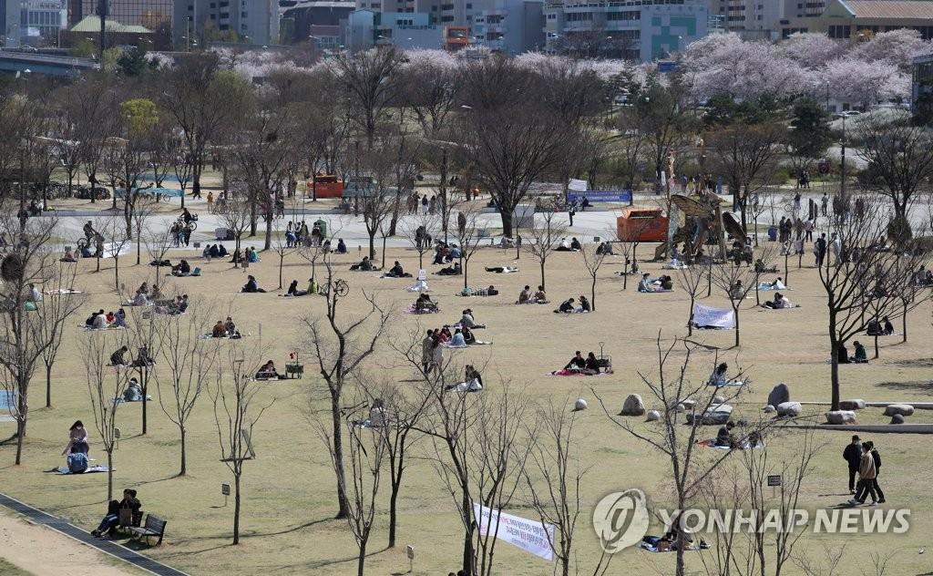 民调:多数首尔市民反对马上放宽防疫