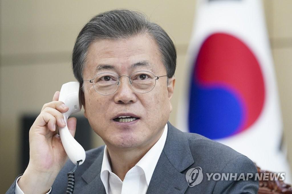 韩国总统文在寅与世卫组织总干事谭德赛通电话