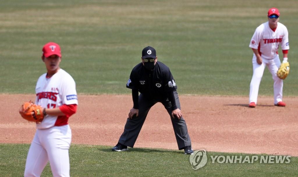 疫情下韩职棒明启动零观众热身赛