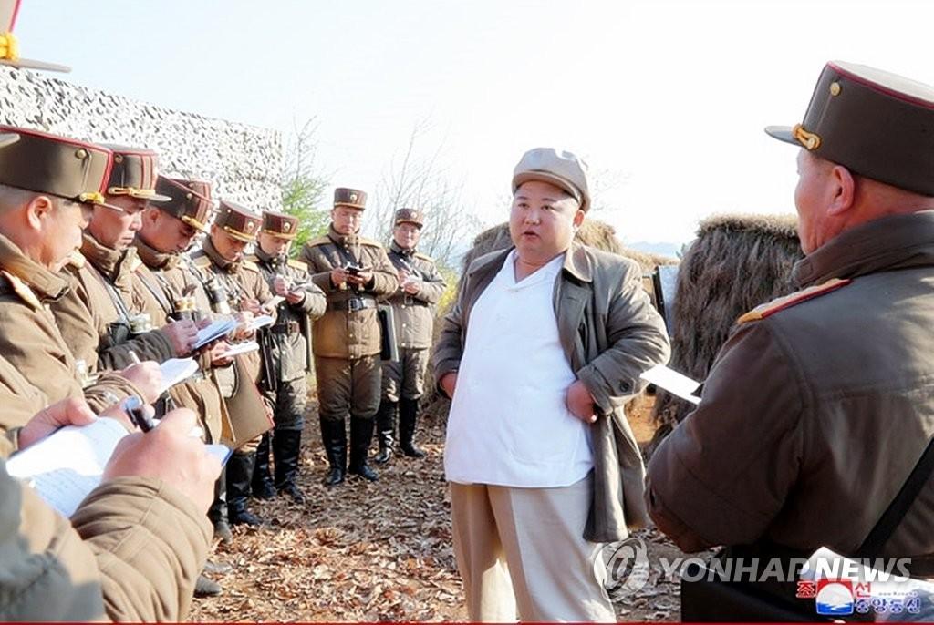 朝媒:金正恩指导炮兵部队射击比赛