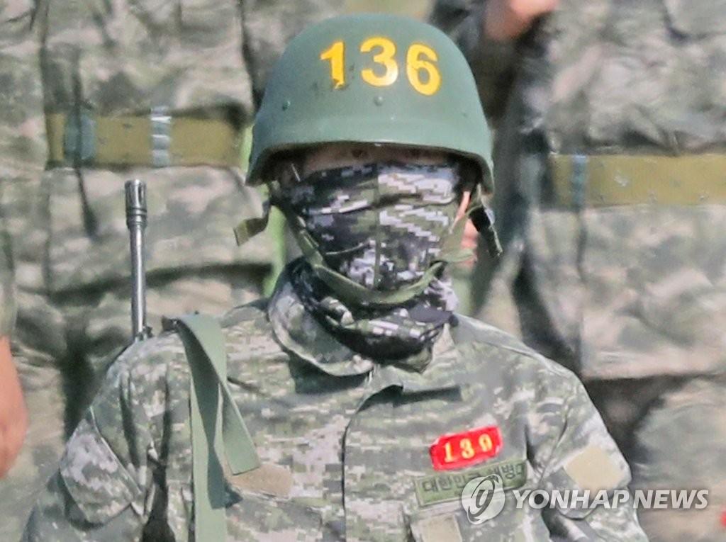 孙兴慜以全营第一的优异成绩结束军训。 韩联社/海军陆战队脸书截图(图片严禁转载复制)