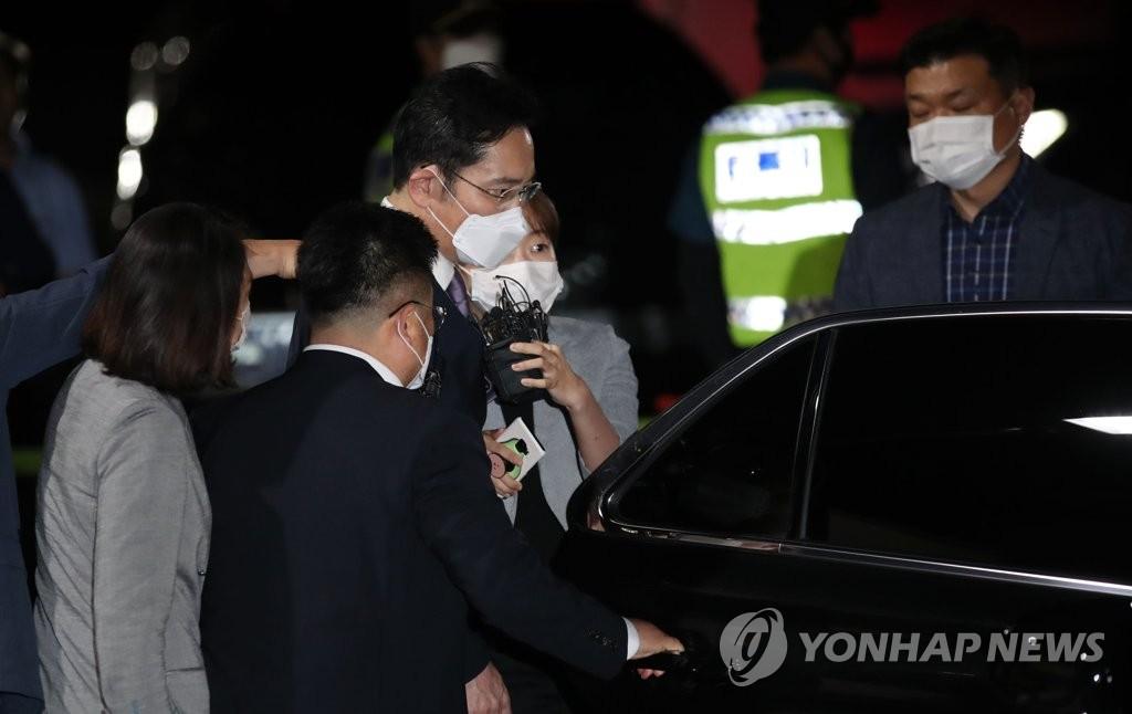韩法院不批捕李在镕未言明无罪