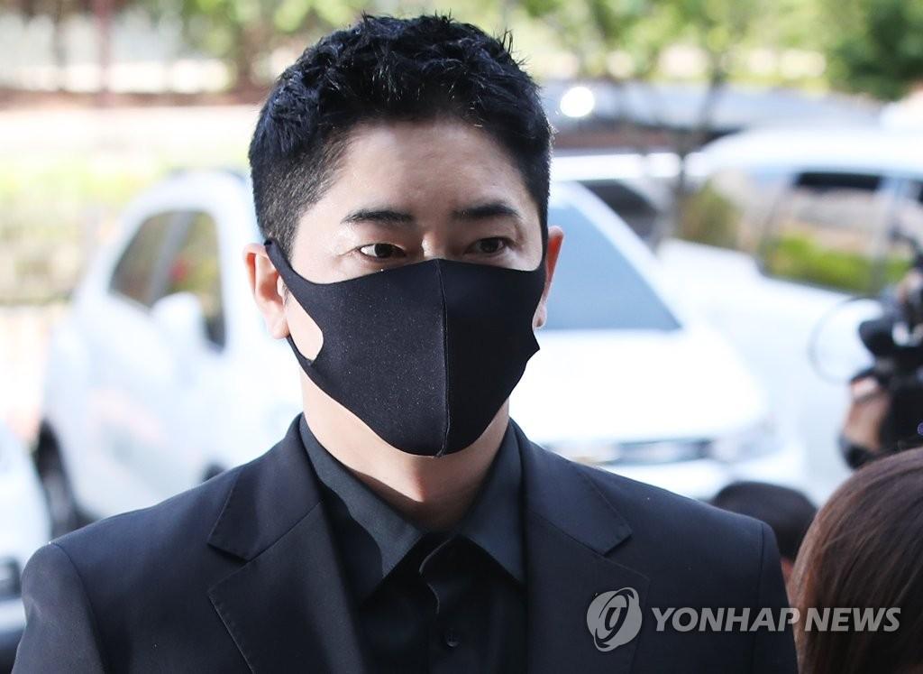涉性侵演员姜志焕二审获刑两年半缓刑三年