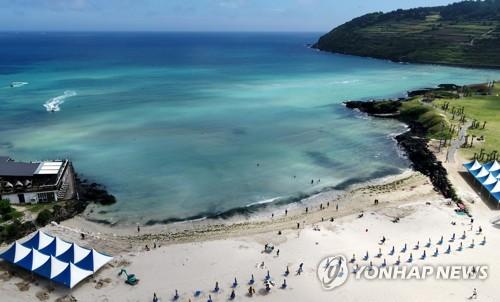 济州海水浴场正式开放