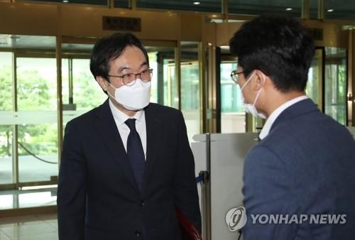 韩国对朝代表李度勋会见中国驻韩大使邢海明
