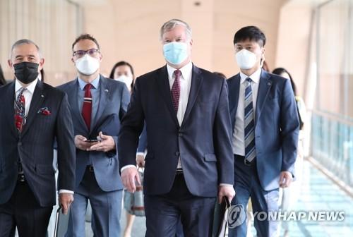 美副国务卿比根开启访韩日程