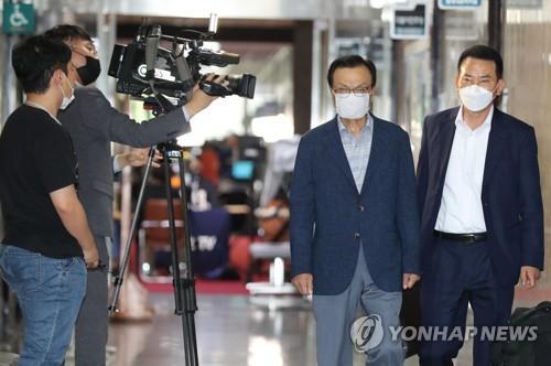 韩民主党党首就已故首尔市长相关事件表态