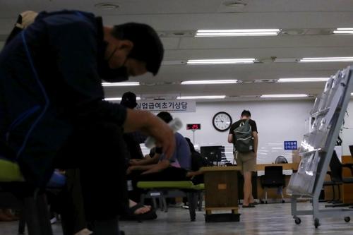 详讯:韩7月就业人口同比减27.7万人 失业率4%
