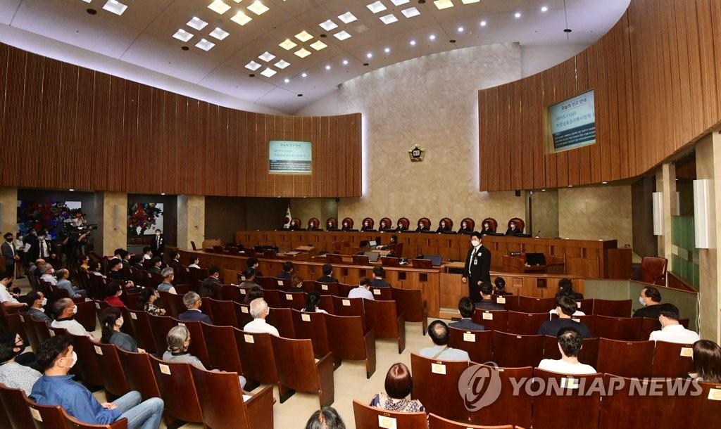 7月16日下午,在首尔市瑞草区大法院大法庭,全员合议庭最后一次开庭审理李在明案。 韩联社