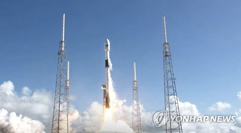 详讯:韩国首颗军事通信卫星成功发射升空