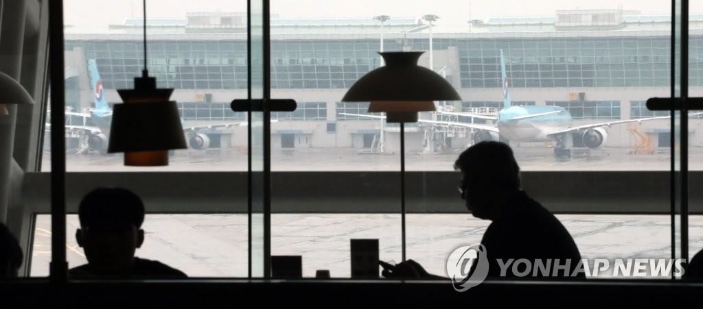 资料图片:仁川国际机场分外冷清。 韩联社