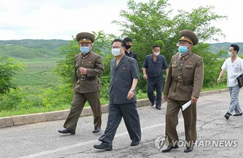 朝鲜崔龙海检查开城防疫工作