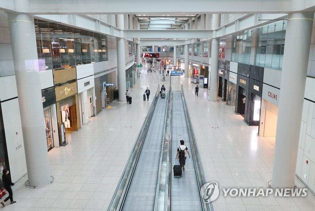 韩免税店7月销售额环比增12.4%