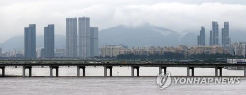 专家:韩中日强降雨天气与全球变暖有关