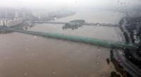 韩国对首尔汉江大桥流域发布洪水预警