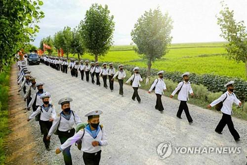 朝鲜人民军部队参加抗洪抢险