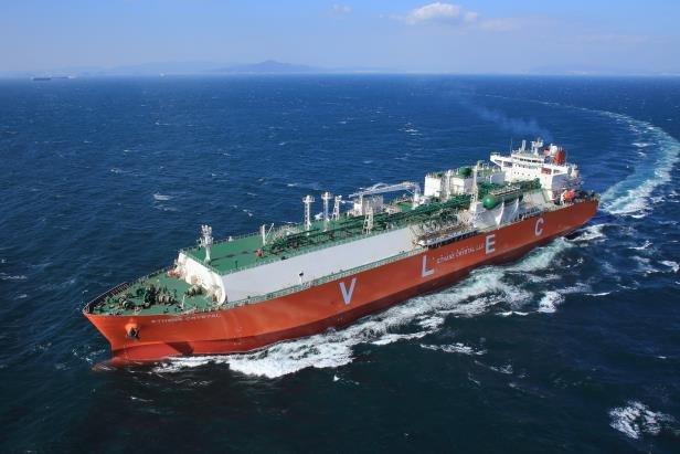 资料图片:三星重工业制造的世界首艘超大型乙烷运输船(VLEC) 韩联社/三星重工业供图(图片严禁转载复制)