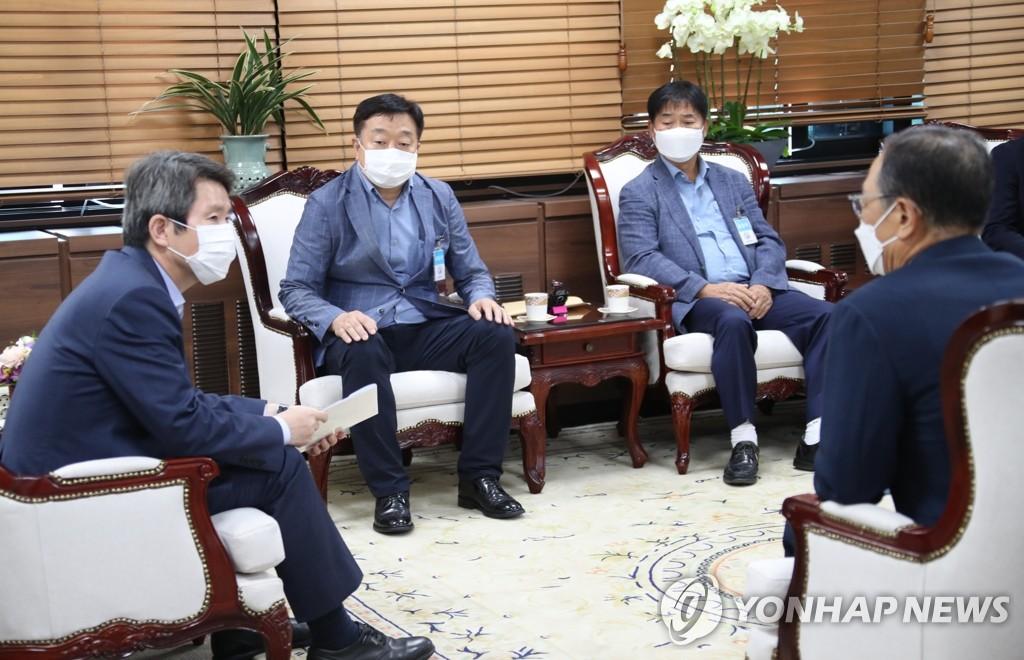 韩统一部长:先争取散客赴朝游