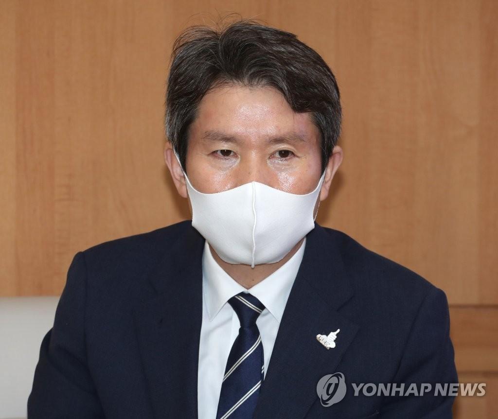 韩统一部长官:韩朝合作将促进朝美无核化对话