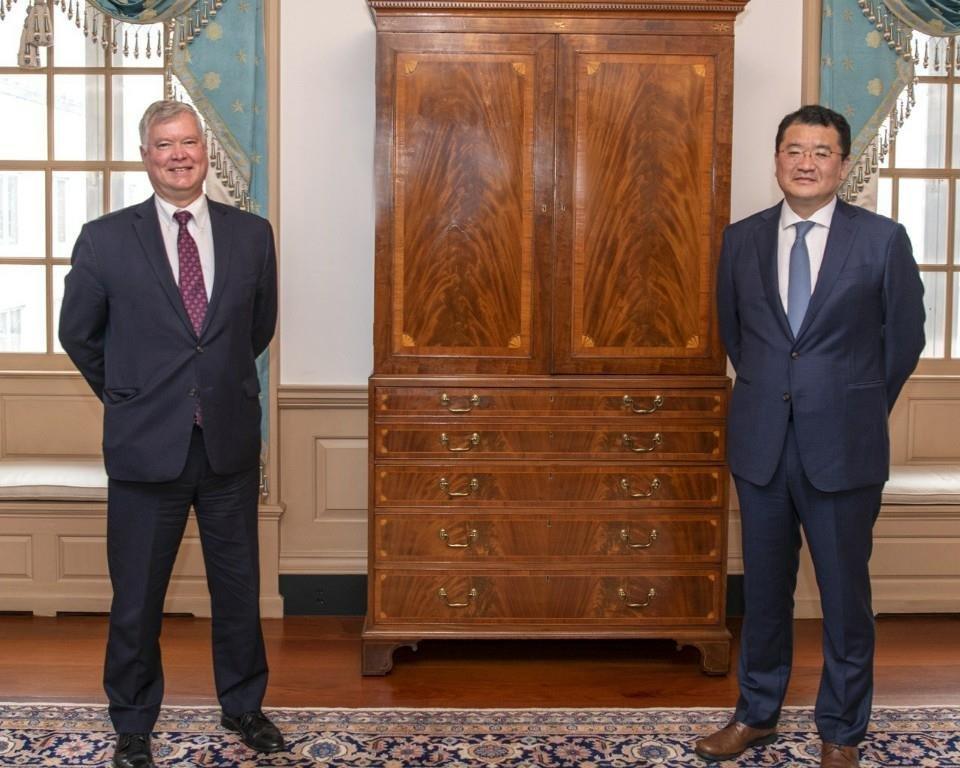 韩副外长崔钟建同美副国务卿比根通电话