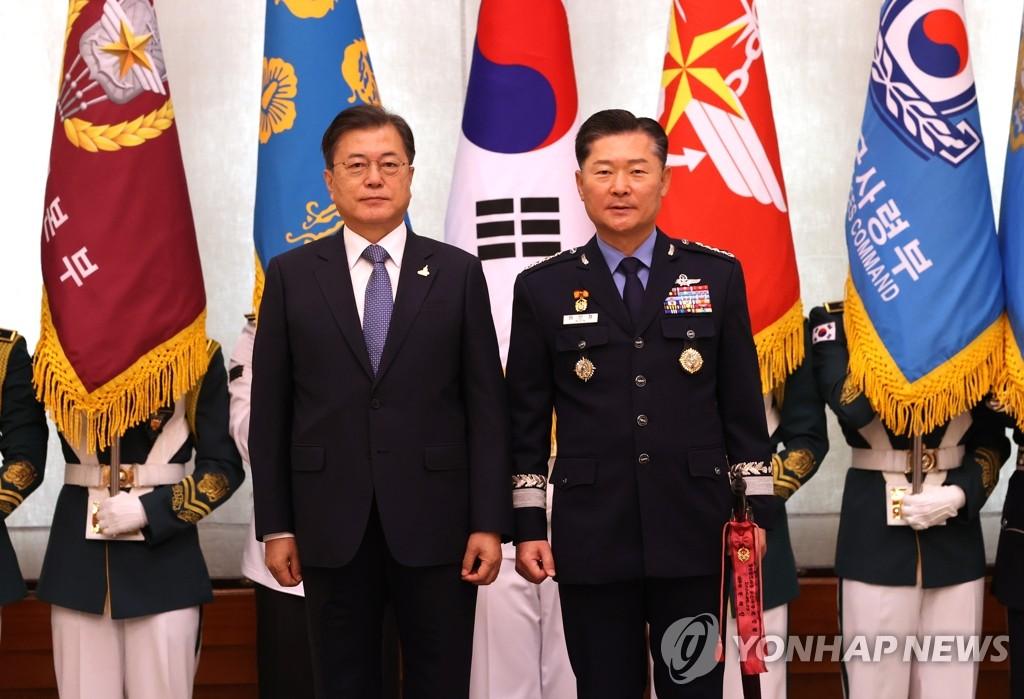 元任哲就任韩国第四十二届联参议长