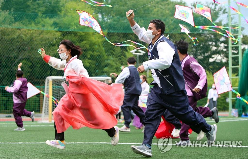 外国留学生体验韩国文化