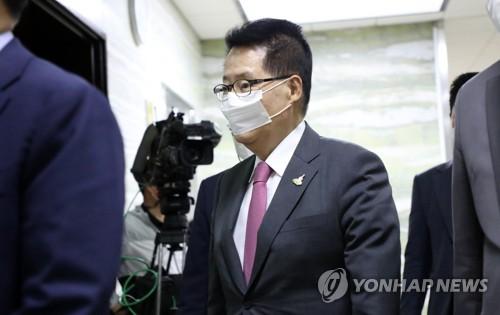 韩国情院长向青瓦台亲自递交朝鲜通知书