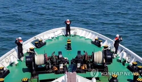 韩海警集中寻找被朝射杀公务员遗体