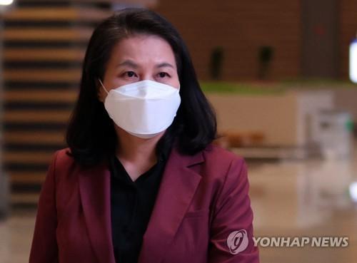 韩世贸总干事候选人启程赴欧洲