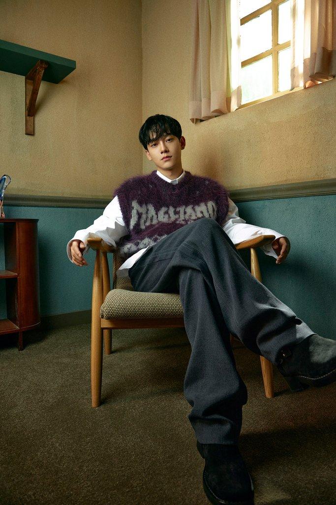 EXO成员CHEN月底入伍服兵役