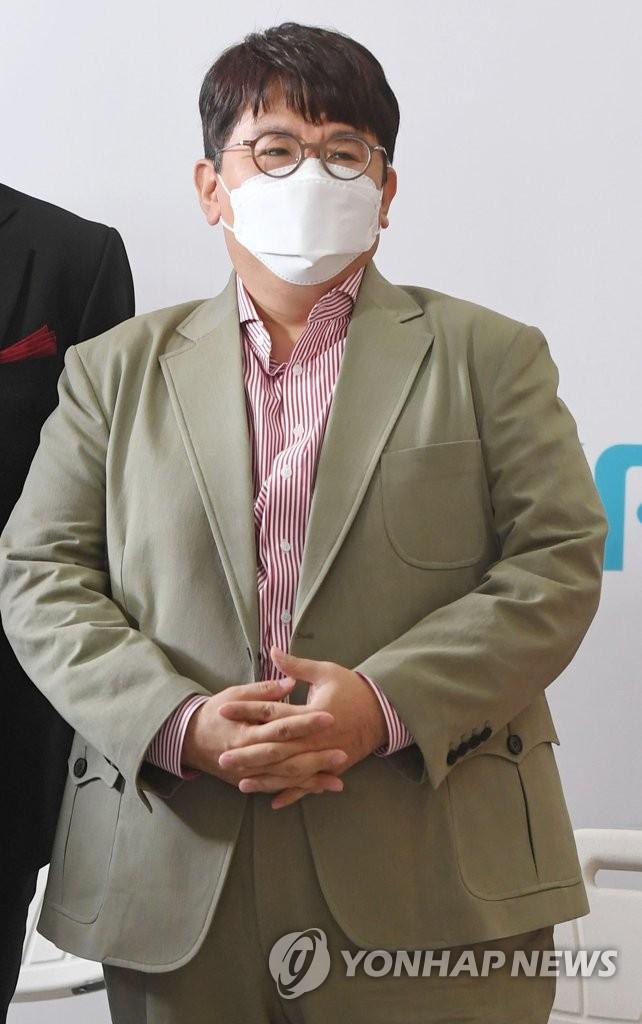 资料图片:Big Hit娱乐代表房时赫 韩联社/联合摄影团