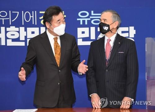 韩执政党党首李洛渊会见美驻韩大使哈里斯