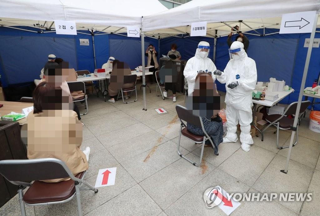 简讯:韩国新增103例新冠确诊病例 累计26146例