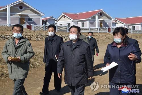 朝鲜崔龙海现场指导