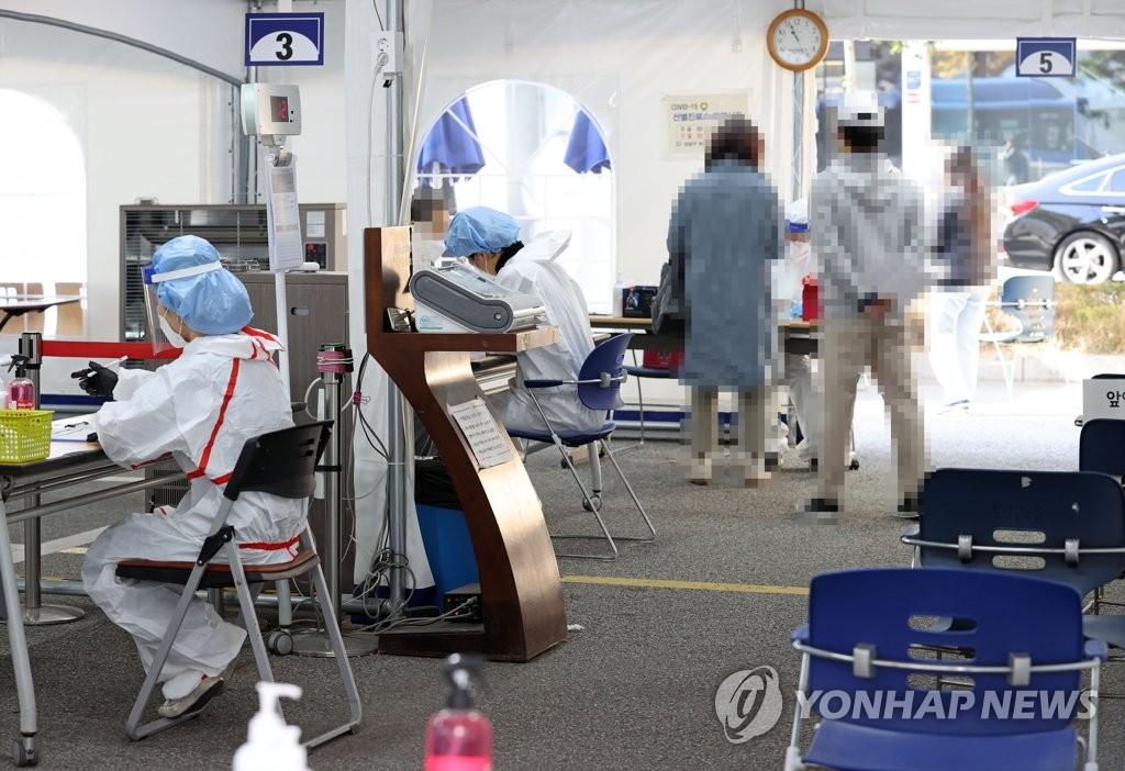 简讯:韩国新增124例新冠确诊病例 累计26635例
