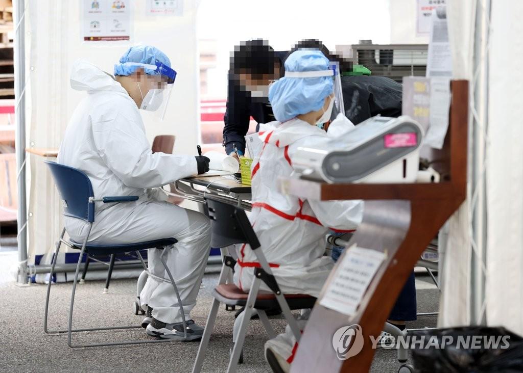 简讯:韩国新增114例新冠确诊病例 累计26385例