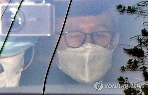详讯:韩前总统李明博今起正式服刑