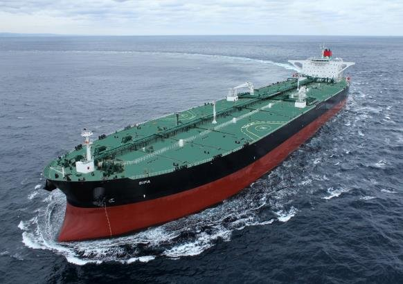 资料图片:现代重工业建造的超大型运油船 韩联社/韩国造船海洋供图(图片严禁转载复制)