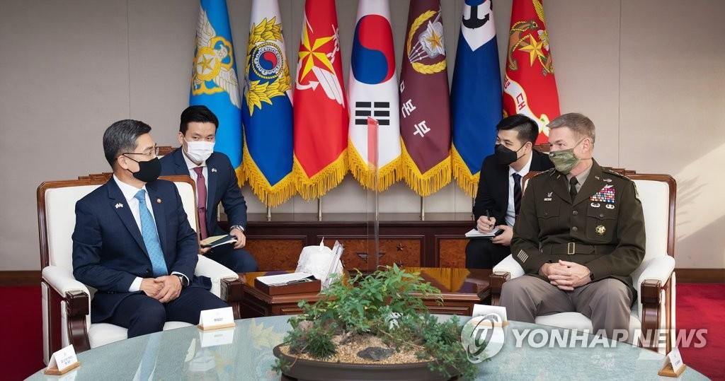 韩防长会见美国陆军参谋长