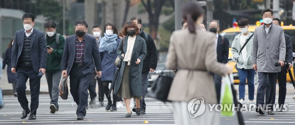 戴口罩上班 韩联社