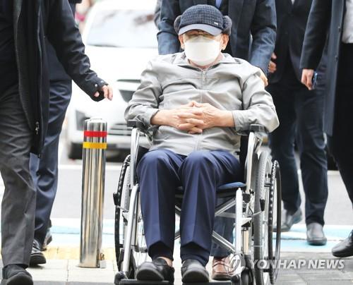 韩法院判涉嫌妨碍防疫新天地教主无罪