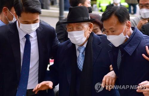 详讯:韩前总统全斗焕损害名誉案被判8个月缓刑2年