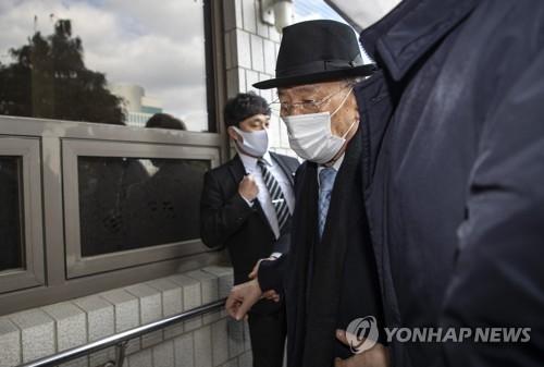 前总统全斗焕出庭受审