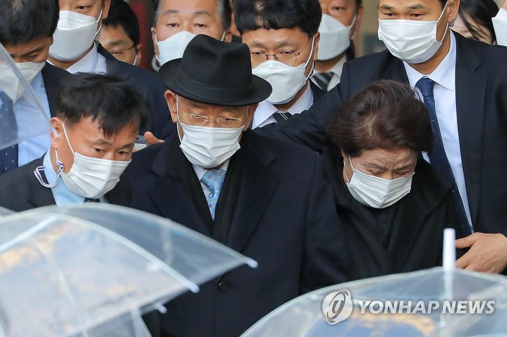 韩前总统全斗焕毁损名誉案二审下周再次开庭