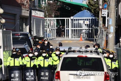韩警方搜查暴力抗拆教会