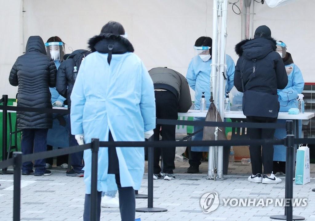 韩政府预测近期单日确诊继续千例左右徘徊
