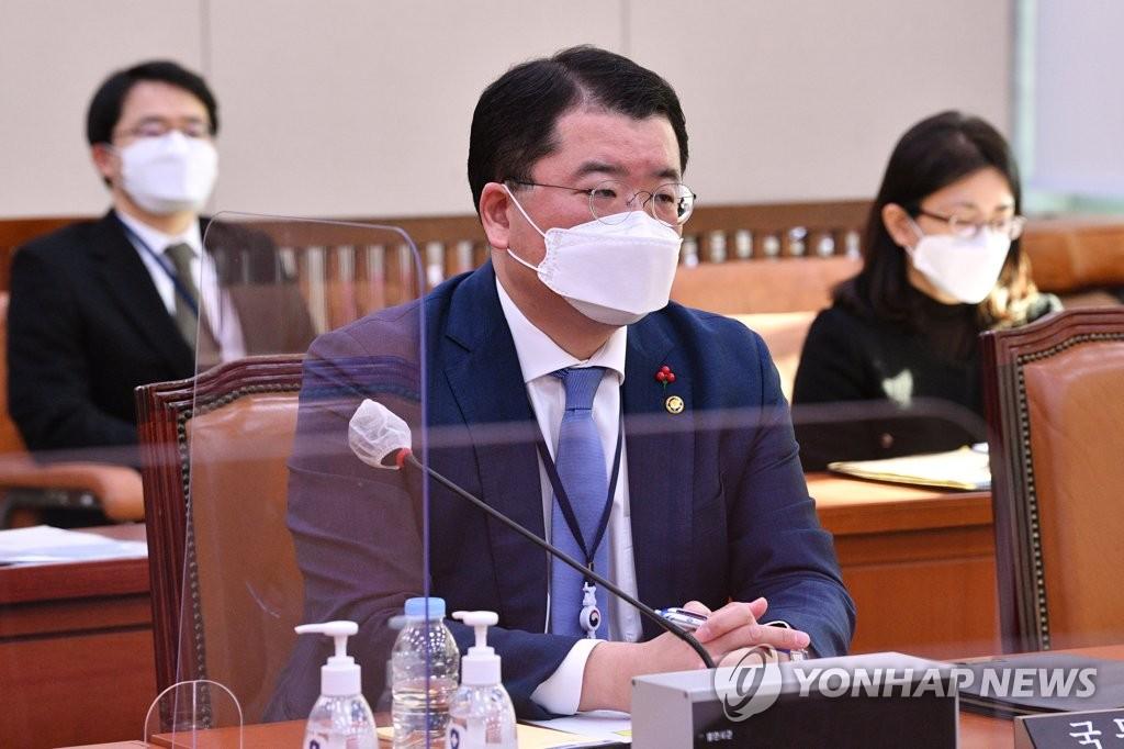 资料图片:韩国外交部第一次官崔钟建 韩联社