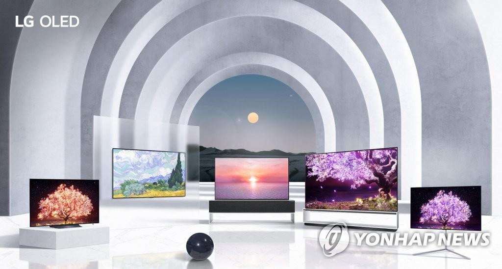 亮相今年CES的LG电子三大产品群电视产品,档次定位由高到低分别是OLED、QNED和NanoCell。 LG电子供图(图片严禁转载复制)