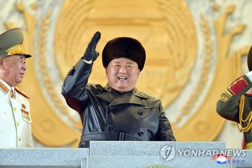 详讯:朝鲜举行阅兵式纪念劳动党八大